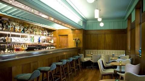 Hotel DeBrett's House Bar