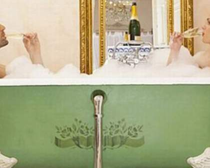 Hotel Offers Champagne Baths for Valentine's Day