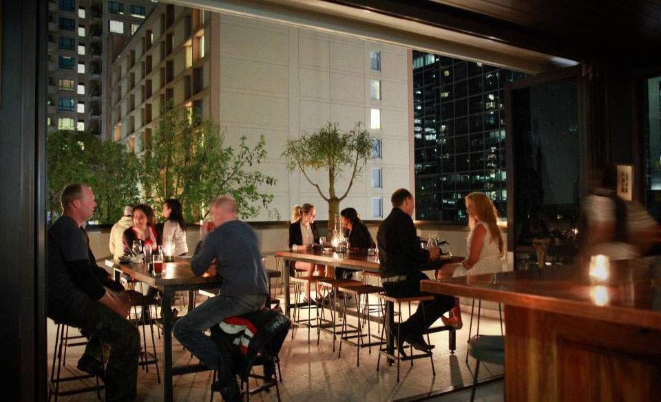 The ten best restaurants for big groups in melbourne for Balcony bar top
