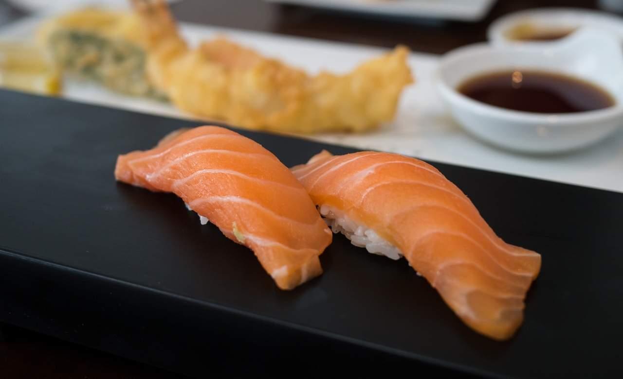 nigiri-sushi-fish-salmon-stock-Jamie-Hamel-Smith