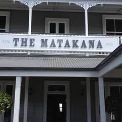 The Matakana Village Pub