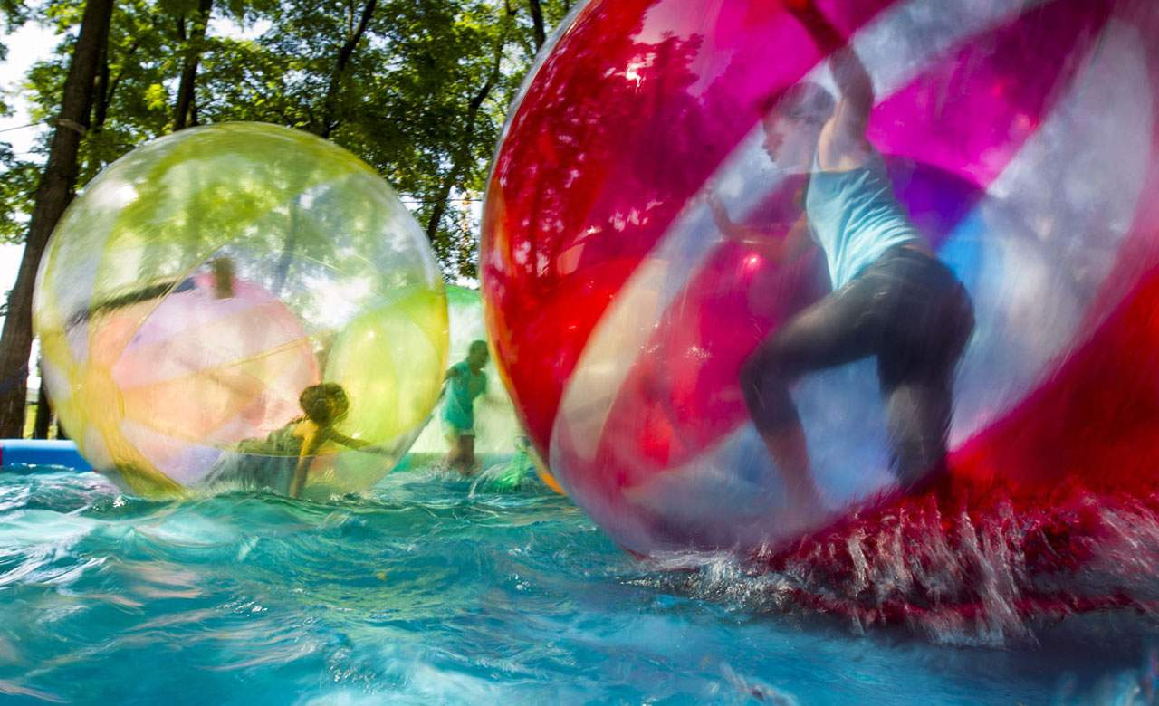 Fun Toys For Grown Ups : The ten best pool toys for grown ups concrete playground