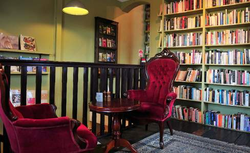 Ampersand Cafe & Bookstore