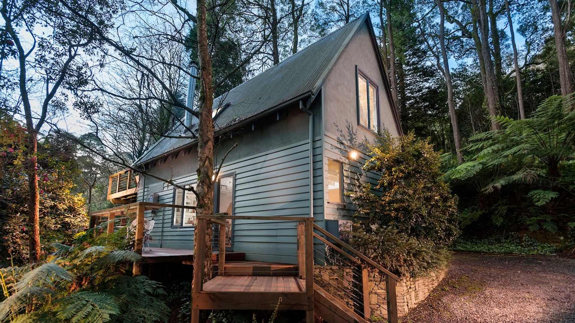 Four Excellent Cabins Found Near Some of Victoria's Most Popular Hiking Areas