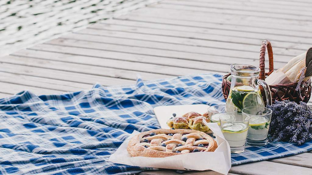 The Ten Best Picnic Spots in Melbourne - OLD