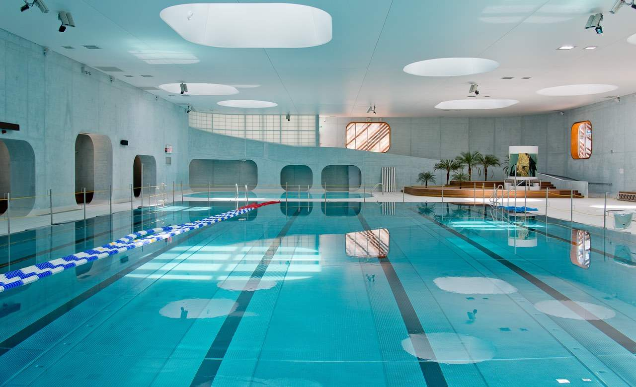 The ten most incredibly designed public swimming pools in for Piscine d issy les moulineaux