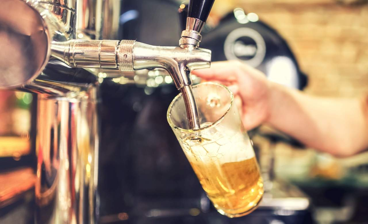 beer-pouring-taps-DPC