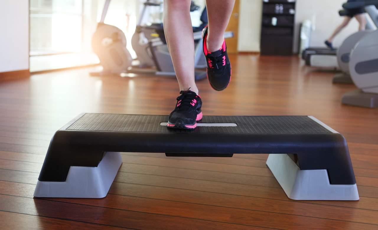 aerobic-step-workout-gym-DPC