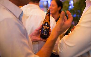View Photos of Tiger Beer presents Streets of Singapore at Little Easy