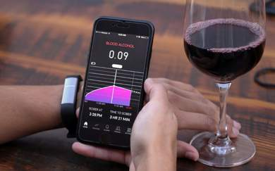 This Wearable Alcohol Sensor Tells You How Drunk You Are (And Will Be)