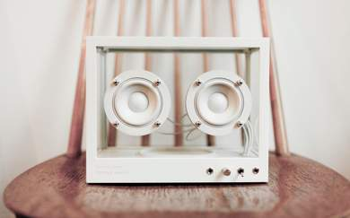 This Transparent Speaker Alerts You When Parts Need Replacing (and Recycles Them)