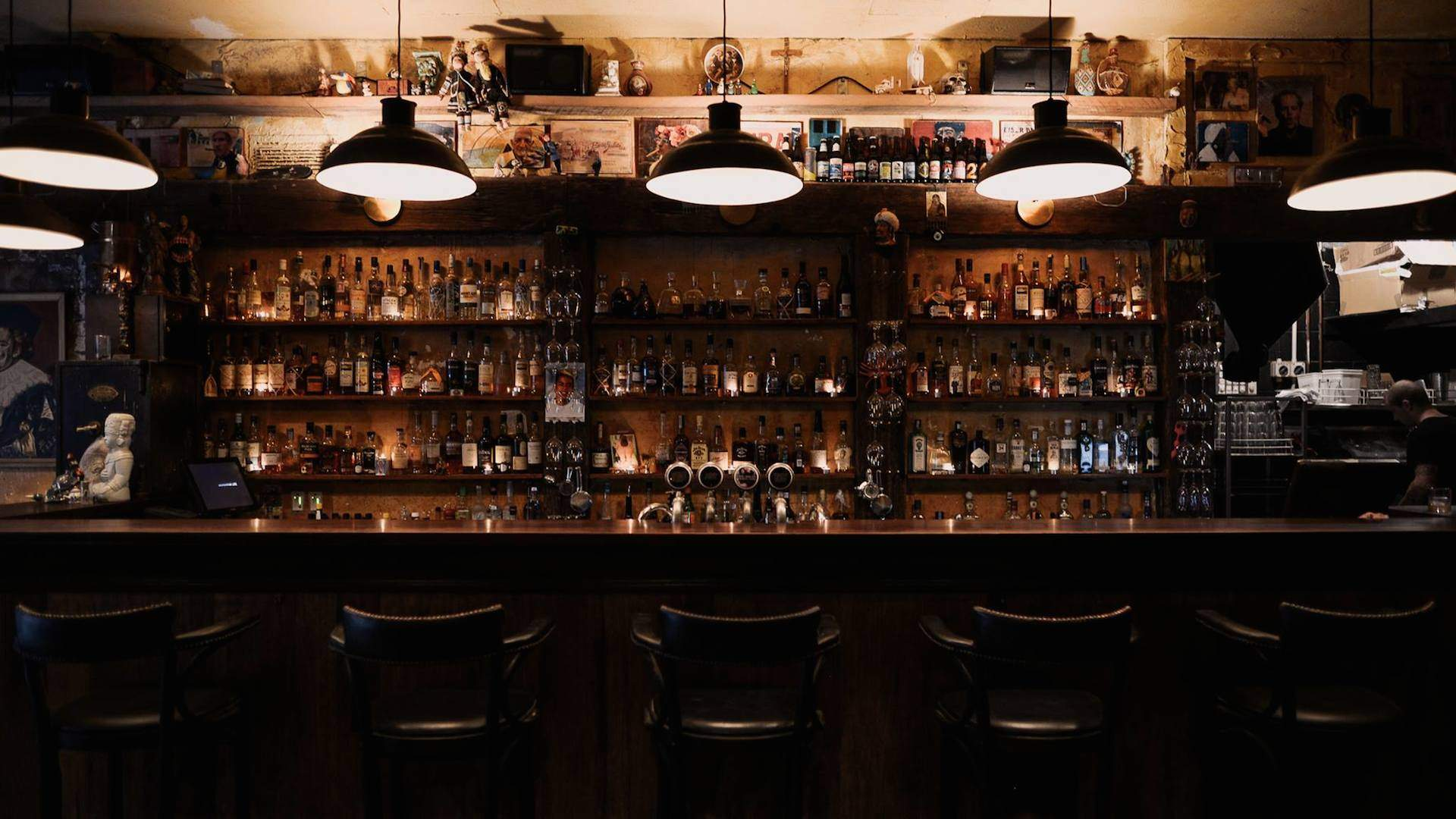 The Eight Best Dive Bars in Auckland