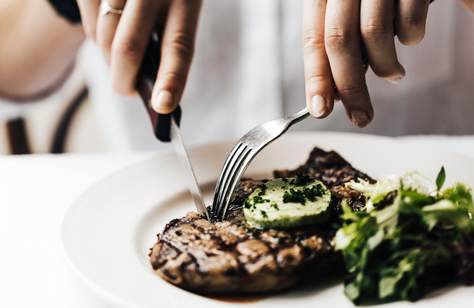 Where to Eat Steak Every Night of the Week When You're Craving a Classic Pub Feed