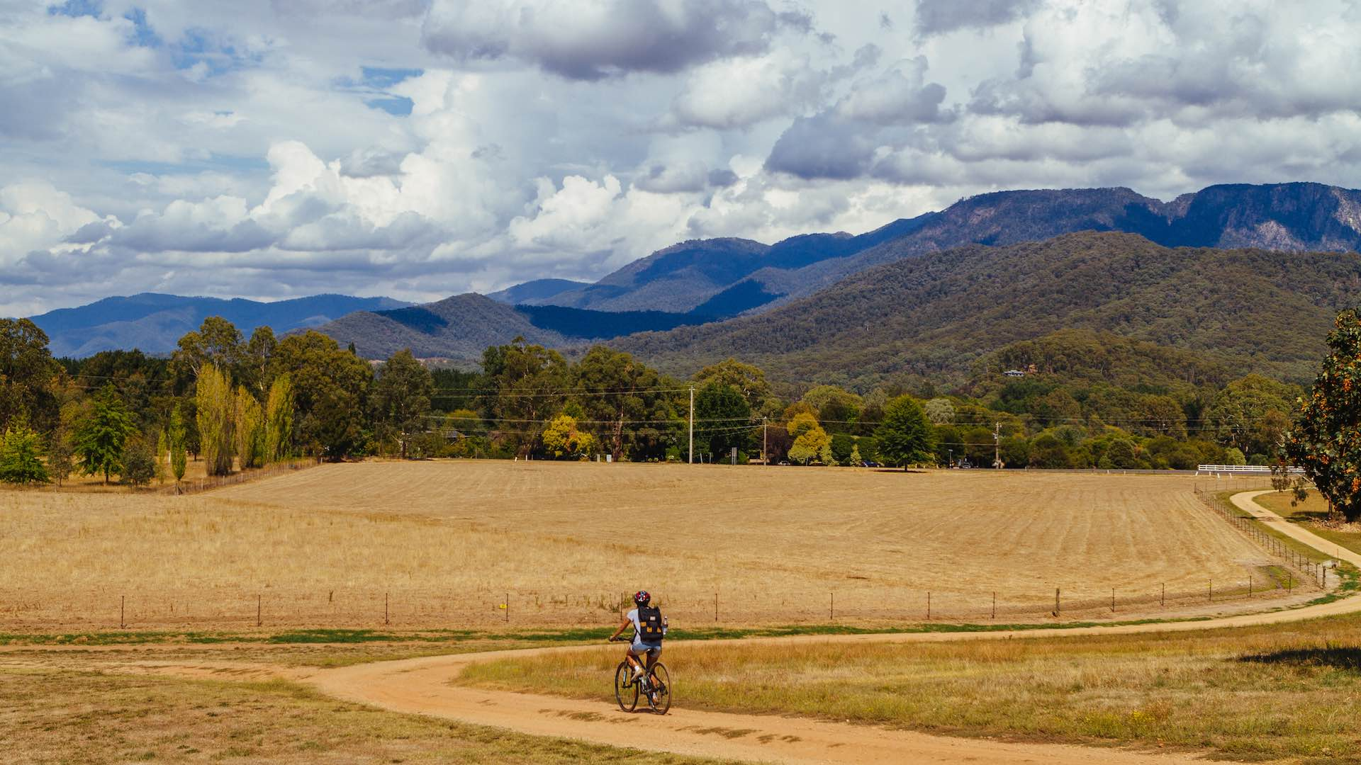 Murray to Mountains rail trail in the Victorian High Country