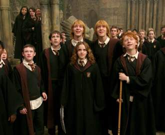 This New Harry Potter Tour Lets You Dress Up in Authentic Hogwarts Robes