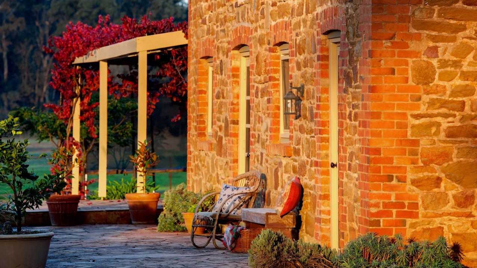 Brick farmhouse at the Stables Byronsvale country accommodation in Victoria