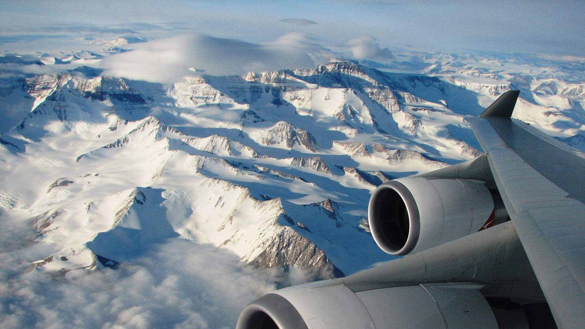 You Can Tour Antarctica on a Day Trip Thanks to This Indulgent Sight-Seeing Plane Tour