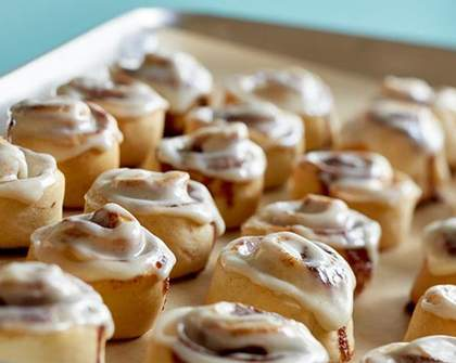 US Bakery Chain Cinnabon Is Opening Its First Aussie Store in Brisbane Next Month