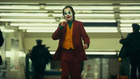 Joaquin Phoenix Is an Utterly Terrifying Clown in the Final Creepy 'Joker' Trailer