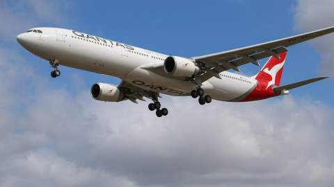 Qantas and Jetstar Plan to Resume International Flights from This October