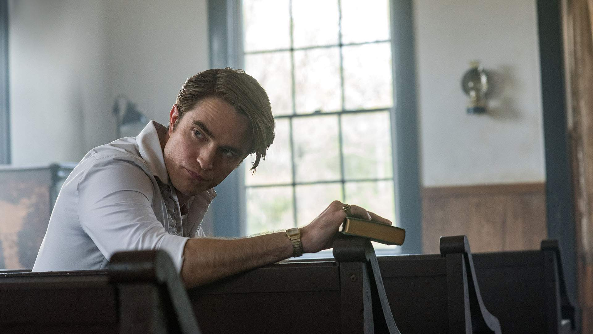 Robert Pattinson Is a Sinister Preacher in the Trailer for New Netflix Thriller 'The Devil All the Time'