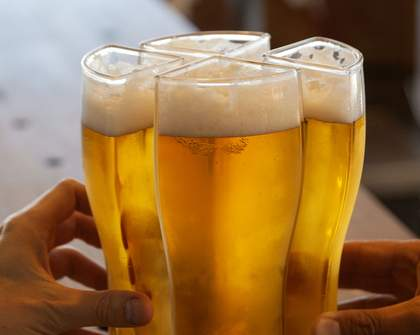 This Sydney Pub Is Now Serving Up 'Super Schooners' That Let You Carry Four Beers At Once