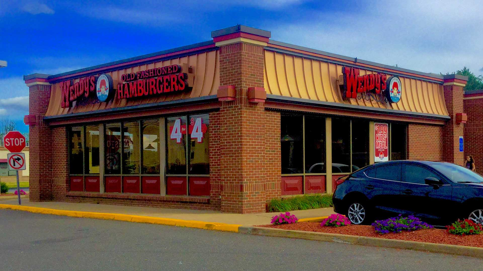 US Burger Chain Wendy's Is Handing Out Free Burgers and Desserts in The Rocks Today